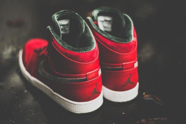 Air Jordan 1 High Og Red Olive 5