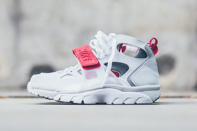 Nike Air Trainer Huarache White Uni Red 1