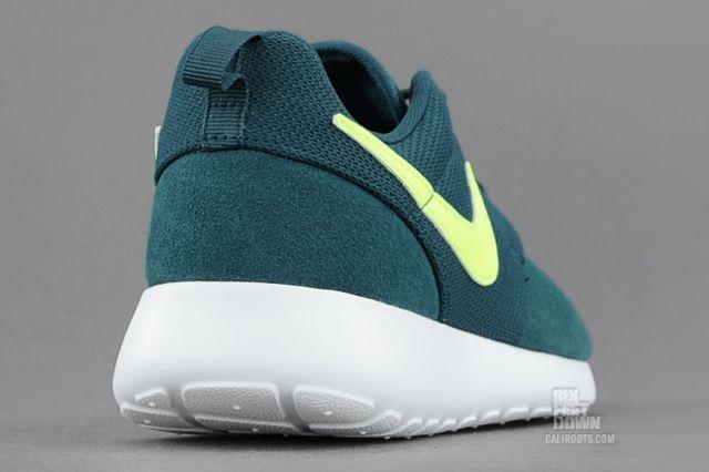 Nike Roshe Run Dark Sea Volt Rear