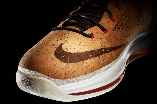 Nike Sports Wear Lebron Cork Toe 1