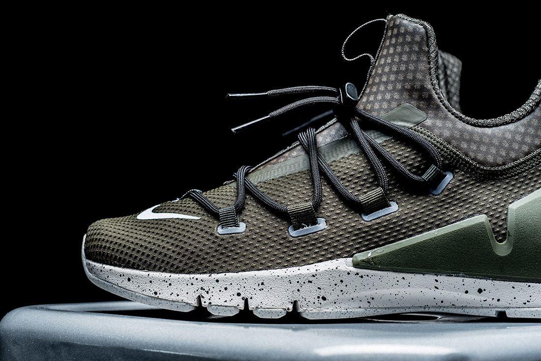 Nike Air Zoom Grade 3