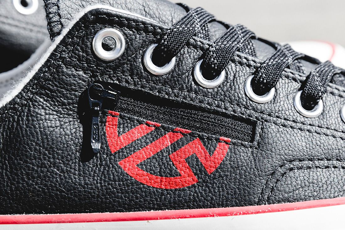 Lay Zhang Converse Lo Black Zip