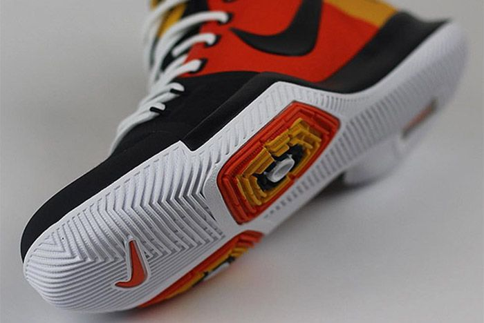 Nike Kyrie 3 Ray Gun 1