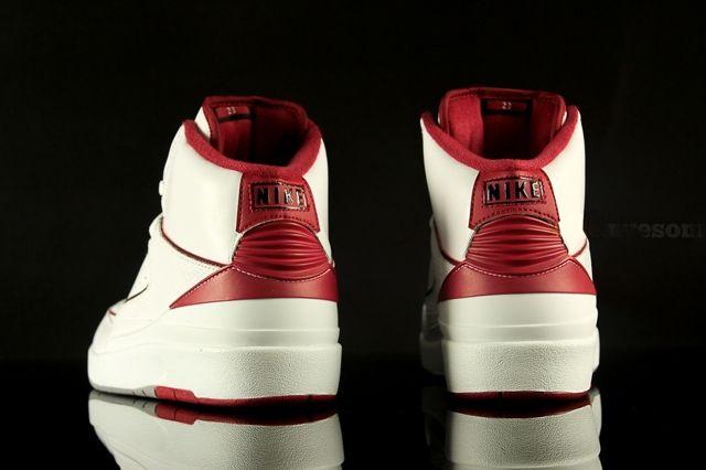 Air Jordan 2 White Varsity Red 4
