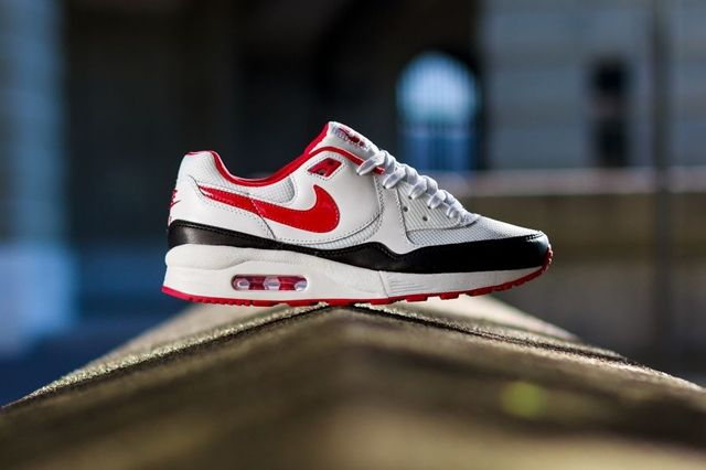 Nike Wmns Air Max Light White Chilling Red 4
