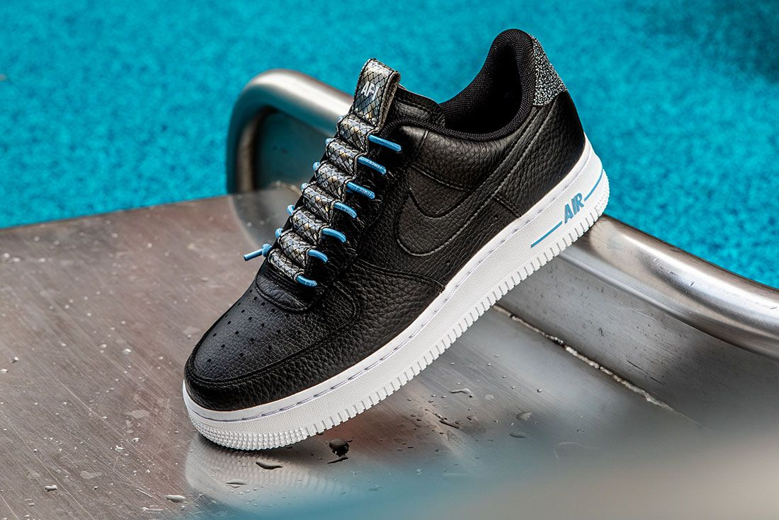 Nike Air Force 1 Womens Refective Black White5 Side