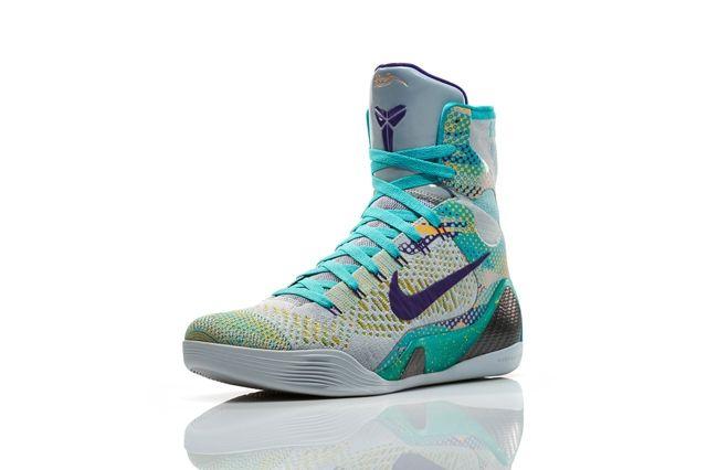 Nike Basketball Elite Series Hero Collection 10