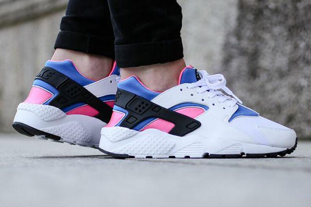 Nike Huarache Wmns White Black Pink Pow Soar Thumb