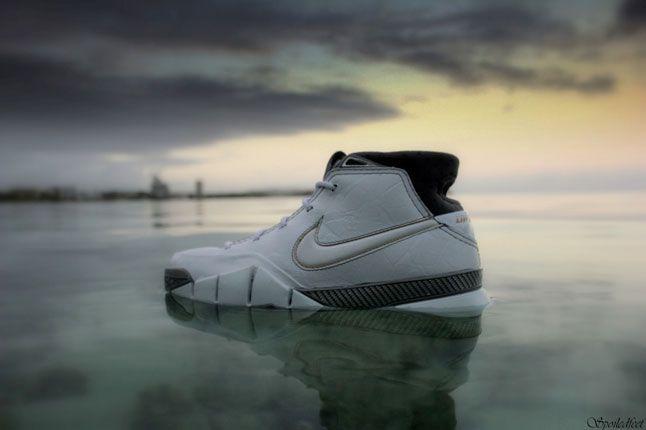 Nike Zoom Kobe 1 Sharkfin 1