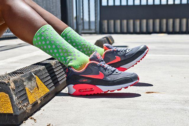 Nike Air Max 90 Wmns Grey Hyper Punch 2