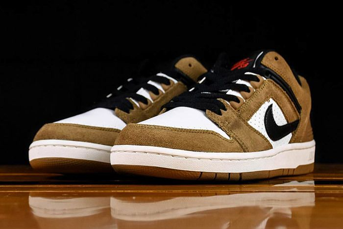 Nike Air Force 2 Low Esape Brown Ao0300 300 2
