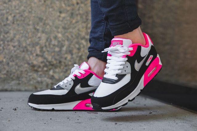 Nike Air Max 90 Metallic Silver Hyper Pink 4
