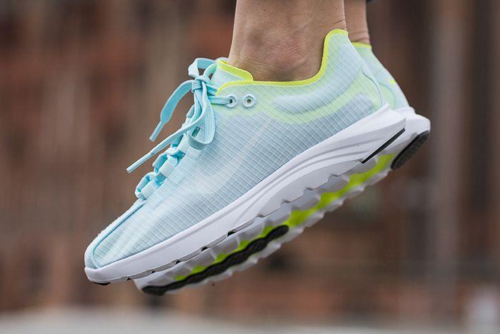 Nike Mayfly Lite Glacier Bluevolt 1
