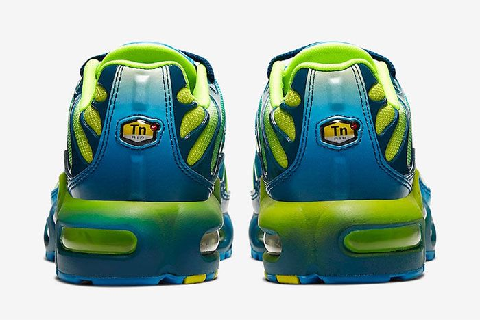 Nike Air Max Plus Gradient Blue Heel