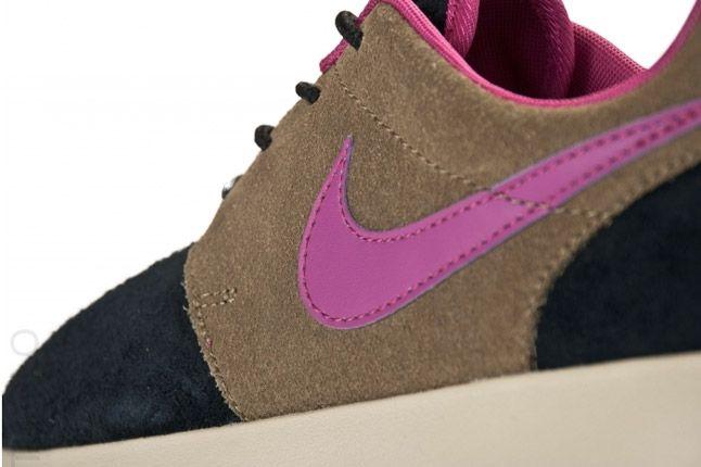 Nike Wmns Roshe Run Black Olive Rave Pink Quater Back 1