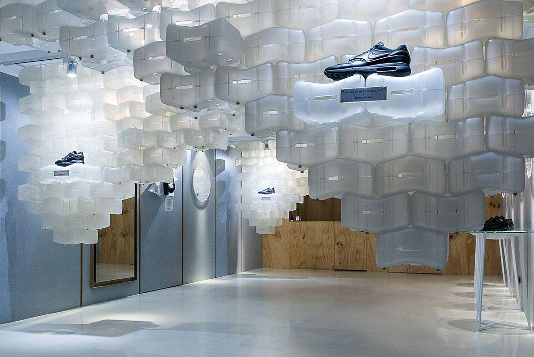 Look Inside Arthur Huangs Nikelab Air Max 1 Royal Box Pop Up 1