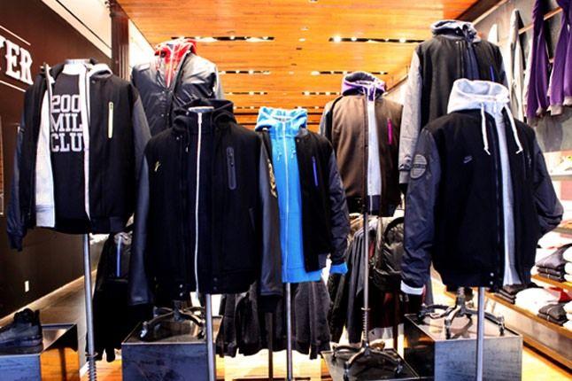 Nike Sportswear 21 Mercer Black Friday 01 1