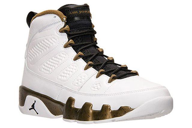 Air Jordan 9 Statue5
