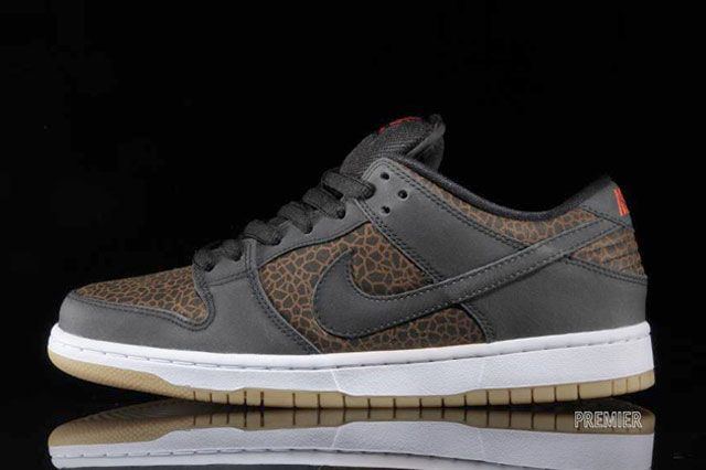Dunk Low Premium Sideview