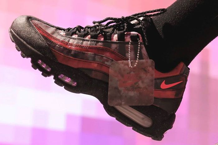 Nike Air Max 95 Cherry Blossom Left