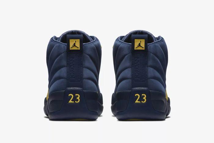 Air Jordan 12 Michigan 5