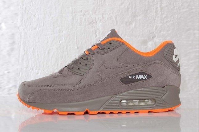 Nike Air Max 90 Milan City Profile 1