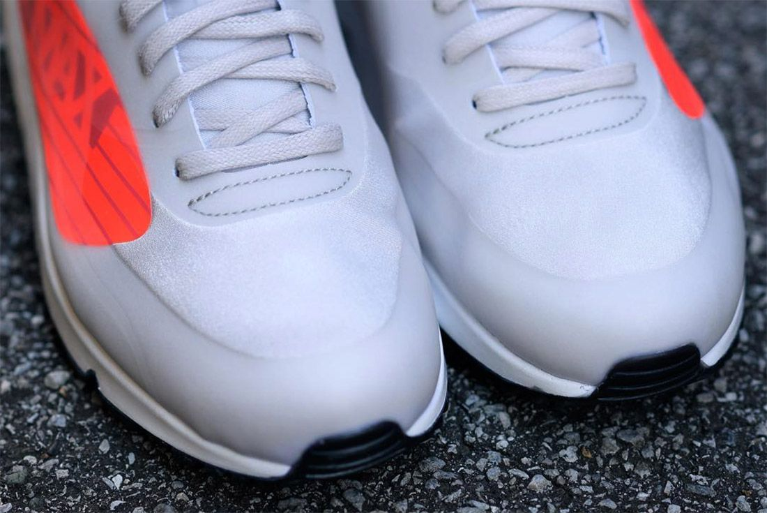 The Am90 Gets Maxed Out With Over Sized Branding2