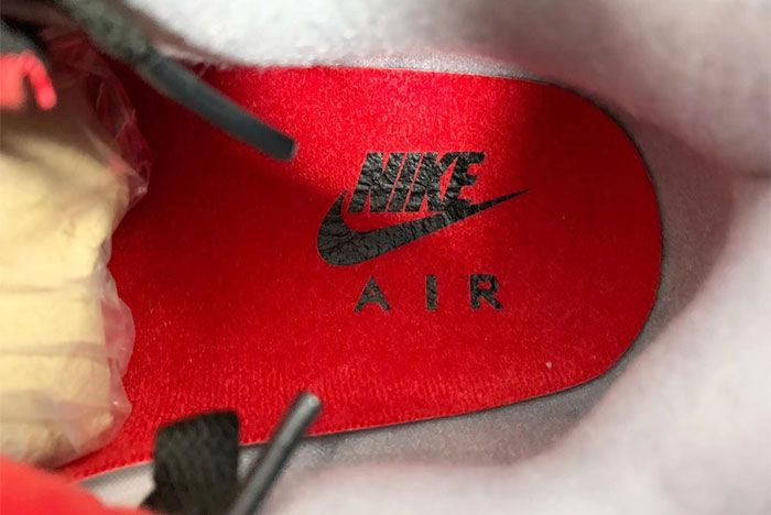 Air Jordan 4 Bred Up Close1 Insoles
