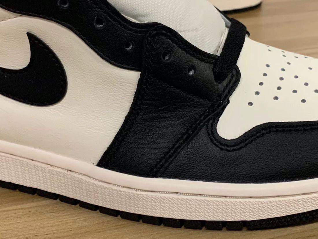 Air Jordan 1 Dark Mocha Toe