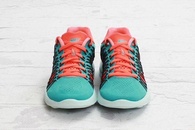 Nike Lunaracer3 Sprtturquoise Ttlcrimson Toe Profile 1