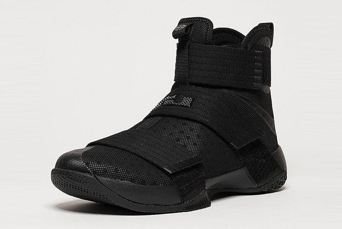 Nike Lebron Soldier 2