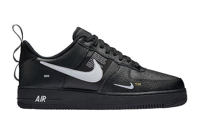 Nike Air Force 1 Black White Tag