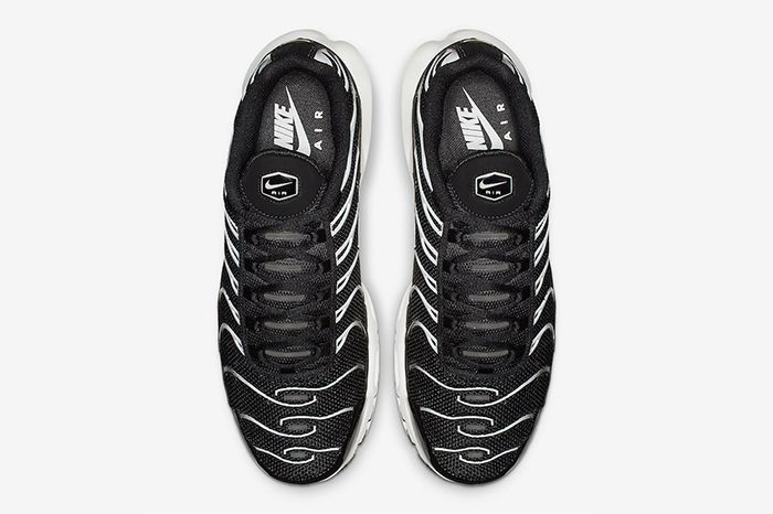 Nike Air Max Plus Black Reflective Silver Release Date Top Down
