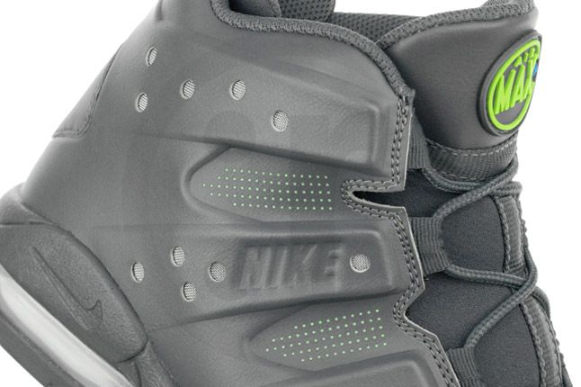 Nike Air Max Barkley Dark Grey Photo Blue Green Profile Detail 1