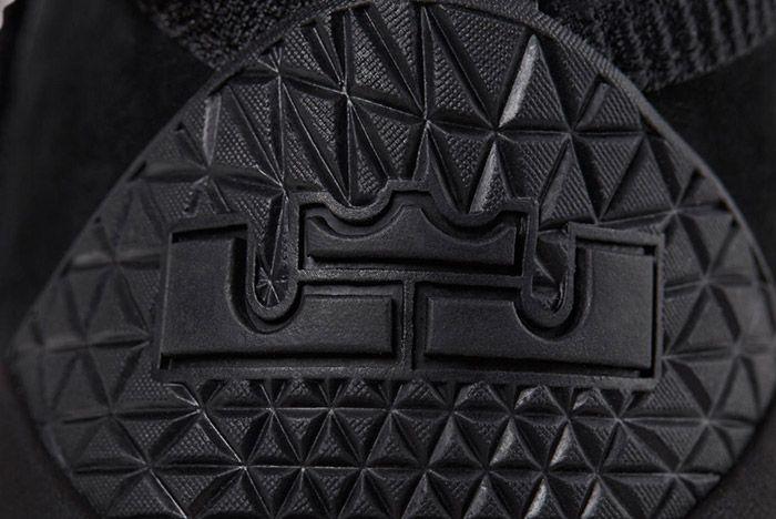 Nike Zoom Lebron Soldier 11 Prototype Black 2