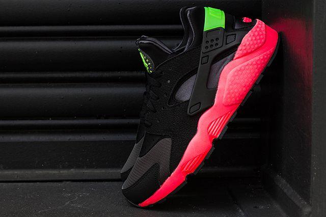 Nike Air Huarache Hyper Punch 1