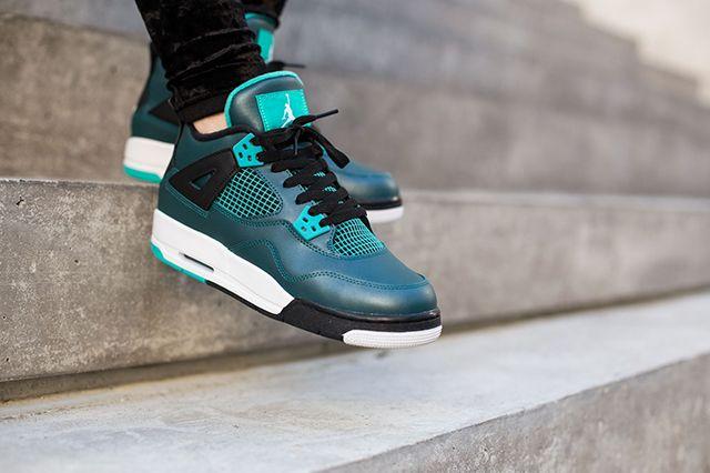 Air Jordan 4 Teal On Foot 8