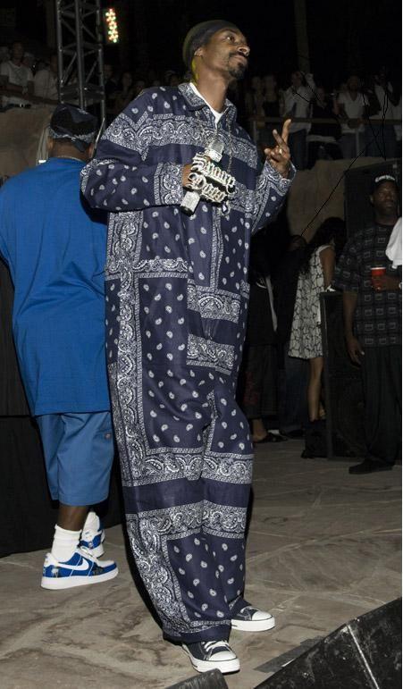 Snoop Dogg Wearing Converse Like A Boss