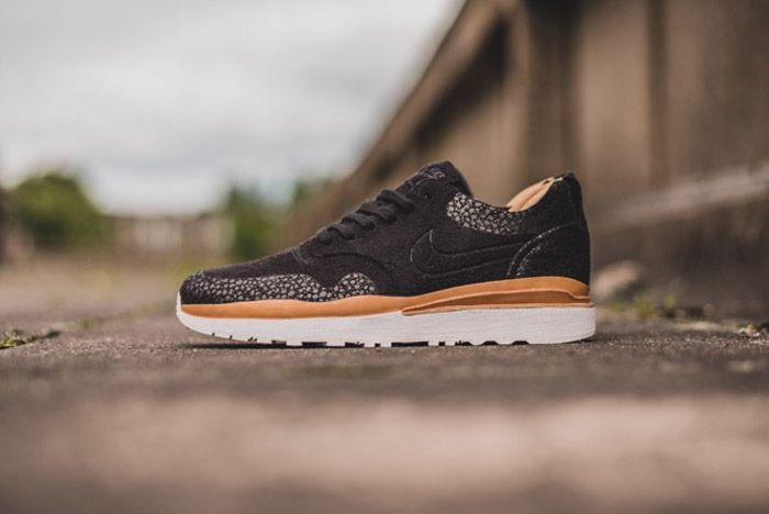 Nike Air Safari Royal Black 6