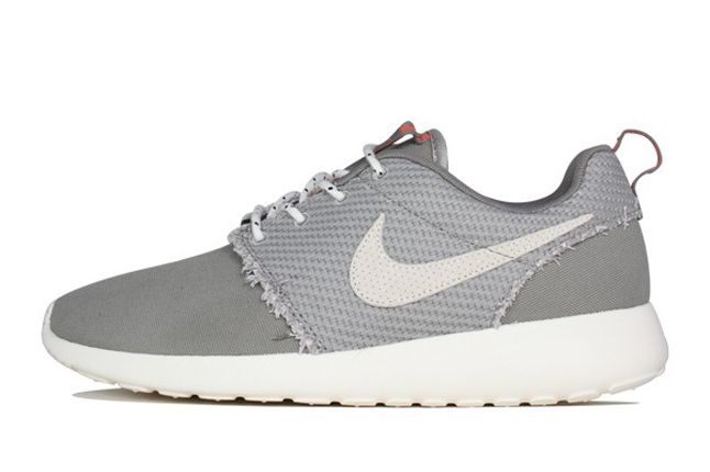 Nike Roshe Run Canvas Sail Charcoal Profile 1