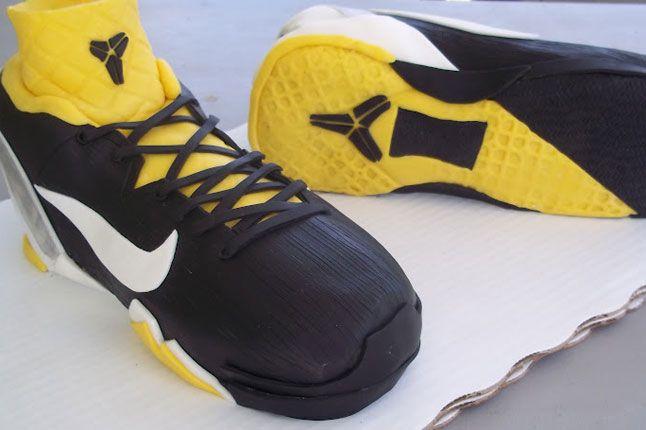 Sneaker Freaker Sneaker Cakes Kobe 7 Supreme 02 1