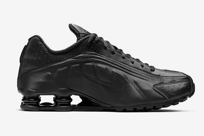 Nike Shox R4 Triple Black Medial