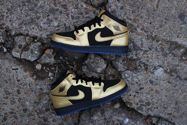 Air Jordan 1 Gs Gold Coin 2