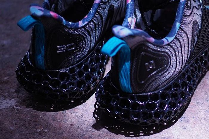 Men In Black Peak Future Fusion Heel Shot