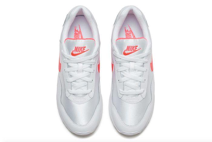 Nike Womens Outburst Og 4