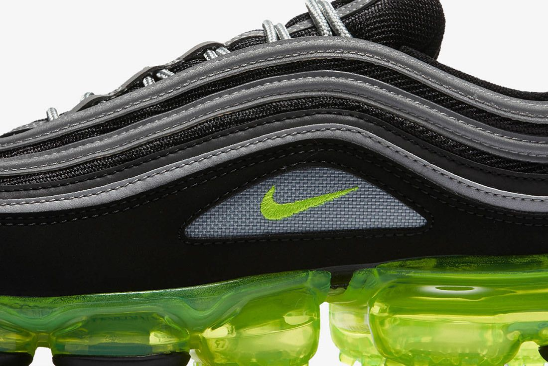 Nike Air Vapormax 97 Neon Release 8
