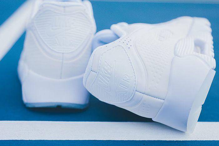 Nike Air Max 90 Ultra Moire Triple White 4