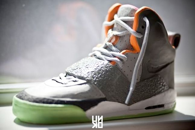 Nike Air Yeezy Scuplture 11 1