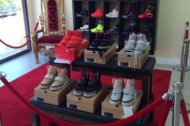 Nike Air Yeezy Full Collection Auction 1