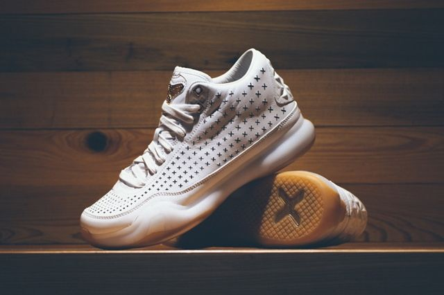 Nike Kobe 10 Ext White Gum Gold 5